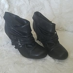 Decree Black leather buckle bootie